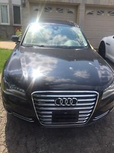 2012 Audi A8 ONLY 72000 kms TAXES IN!!!