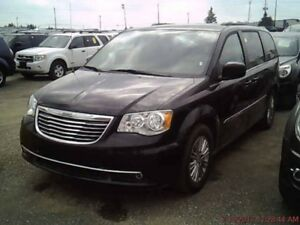2016 Chrysler Town & Country Touring / LEATHER / NO PAYMENTS FOR