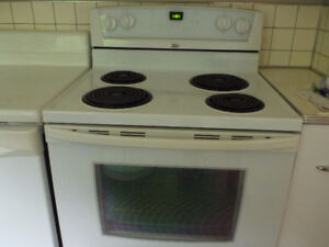 Whirlpool White Electric Range going going.....