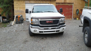 2006 GMC slt 2500HD  Pickup Truck