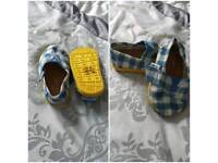TOMS size t4 shoes brand new