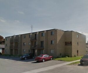 ROYAL MANOR 2 BEDROOM APARTMENT AVAILABLE - DRESDEN, ON