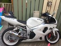 2003 gsxr 1000 lovely white bike drives really well very fast bike