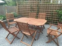 Robert Dyas Country Hardwood 6-Seater FSC Wood Garden Furniture Set