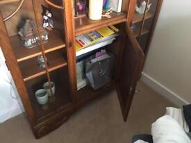 Sideboard display cabinet