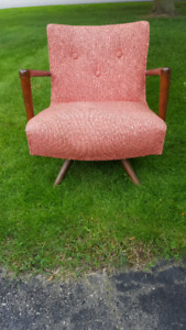Antique / Vintage / Retro Furniture - Chairs and Settee