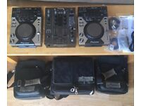 Full DJ Kit 2x Pioneer CDJ 400 + DJM 400, flight bags, cables and manuals, excellent condition