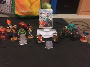 Disney Infinity Game, Portal and Characters.