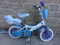 Good condition frozen branded bike. Can add stabilisers to it.