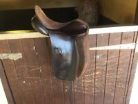 Albion LEGEND 5000 dressage saddle **£200**