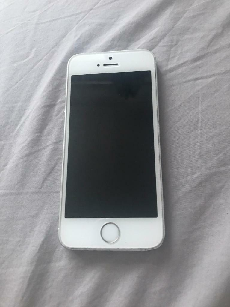 IPhone 5s 32gb WhiteSilver Unlockedin Watford, HertfordshireGumtree - IPhone 5s 32gb White & SilverUnlocked to any networkIm used condition a few scratches on the corners as you can see in the pictures. The screen is perfectThe phone will need a new battery as it dies on 15%