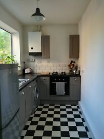 Bright spacious double room £63.50 all incl