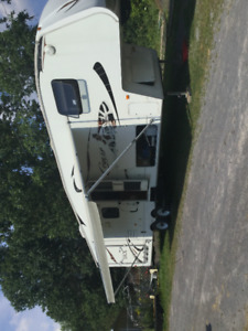2009 Keystone Cougar 320SRX Toy Hauler 5th Wheel
