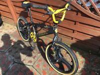 MUDDYFOX BMX STUNT BIKE