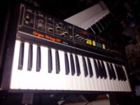 Roland RS09 - Organ / Strings