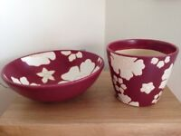 Ceramic matching fruit bowl and flower pot