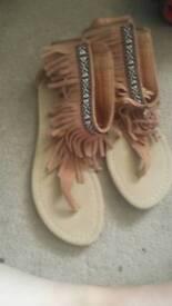 Womens Sandles size 5