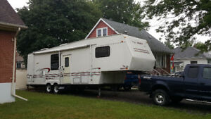 32 foot fifth wheel 2 slide out