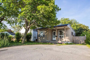2+1 Bedroom Bungalow on Large City Lot in Kingston, ON
