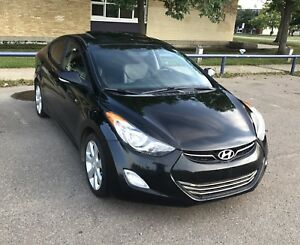 2012 Hyundai Elantra Limited Edition, leather !!