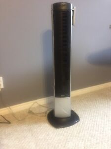 Oscillating tower fan with remote