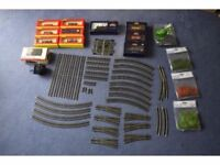 00 Guage - Bachmann Locomotive, Hornby/Backmann rolling stock, Track and accesories Bundle