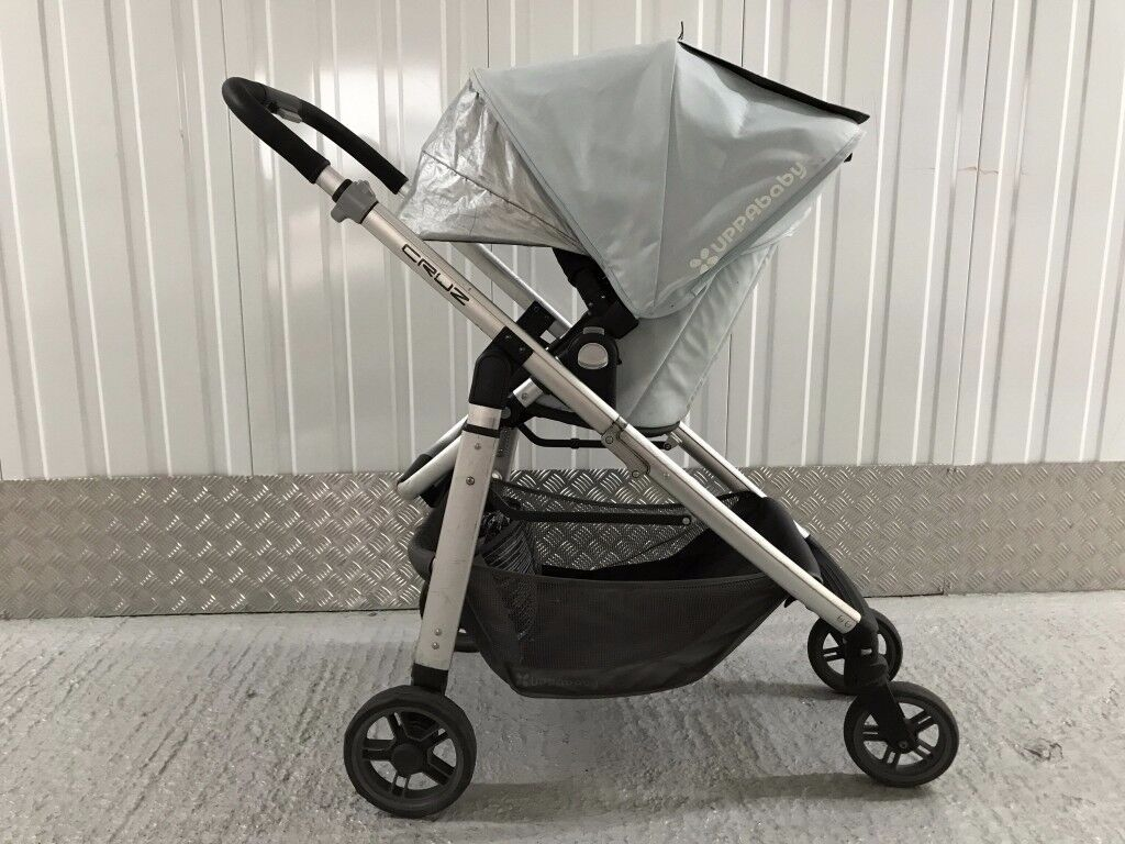 UPPAbaby Cruz (2014) Light Blue ('Tyler'). Collect from Islington (N1)