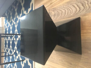 2 Modern end tables