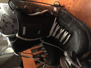 Boots and Bindings 8.5 Men's