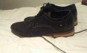 LEATHER STEVE MADDEN SHOES NEGOTIABLE