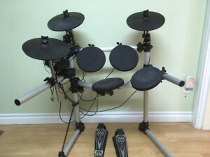 5 Piece digital electronic drum set with throne