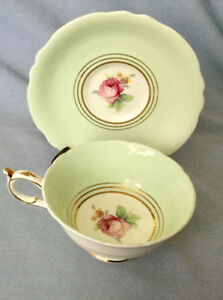 VINTAGE PARAGON MINT GREEN with PINK ROSE * 1940'S * SWEET