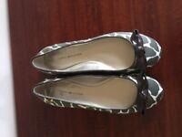 Brand new Tommy Hilfiger Ladies pumps - Size 5 - Designer