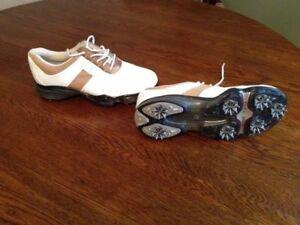 FootJoy DryJoy Ladies Golf Shoes NEW size 7M w/Stability Control