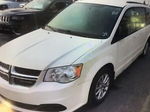 Dodge caravan 2013 ** NEW SAFETY ** CLEAN TITLE**