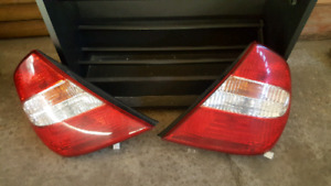 2003 Toyota Camry Tail lights with bulbs