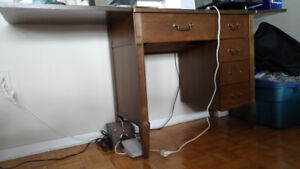 Moving sale - Sewing table / craft table