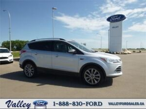 ECONOMICAL COMPACT SUV WITH NAVIGATION! 2014 Ford Escape SE 4WD