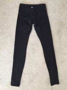 Lululemon tights. Excellent condition