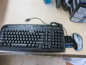 **SMART WAY** Logitech wireless key board and mouse