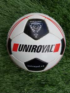 50 Soccer balls (size 5; new, never inflatted)