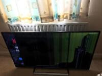 "Panasonic 50"" HD LED Smart TV (12mth old) **Cracked Screen**"