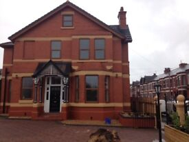 2 bed private large luxury apartment Waterloo , crosby