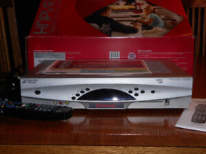 Rogers HD PVR  with remote and accessories Explorer 8300