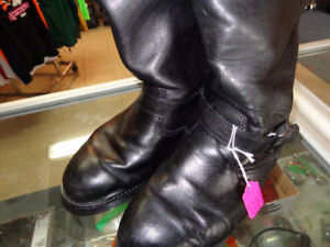 Mens 11 1/2 riding boots-  recycledgear.ca
