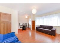 Two Double Bedroom Flat to Rent - Wooden Flooring - Modern Kitchen - Charming Locale - Available Now