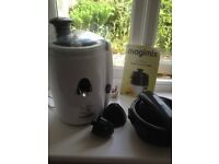 Magimix Le Duo Juicer. All the bits are there, including book. Hardly used. Clean.