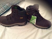 Industrial safety boots. Brand new and never been worn. Collection only