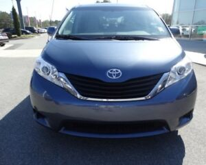 2014 Toyota Sienna LE Remote Start/ backup Camera/ Minivan, Van
