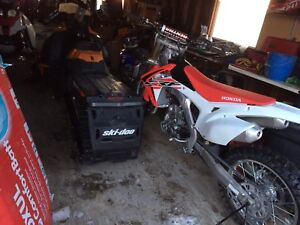 2016 Honda crf 450R, 12 hours, cash or trades.